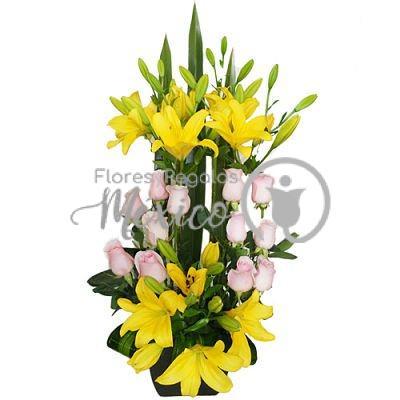lilies-amarillas-y-rosas-en-base_opt