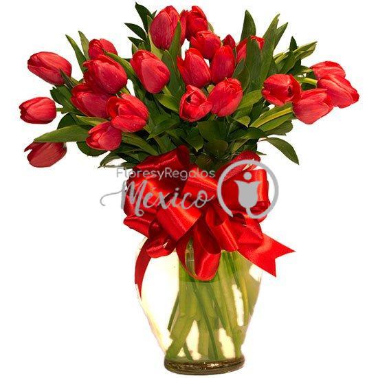 20-tulipanes-en-jarron