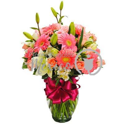 Gerberas-rosa-con-lilies-blancas_opt (1)