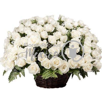 100-rosas-en-canasta-