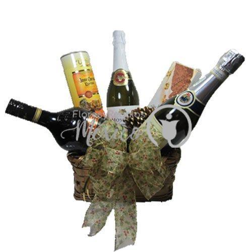 Canasta con botellas