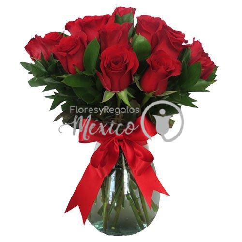 24 rosas en jarron