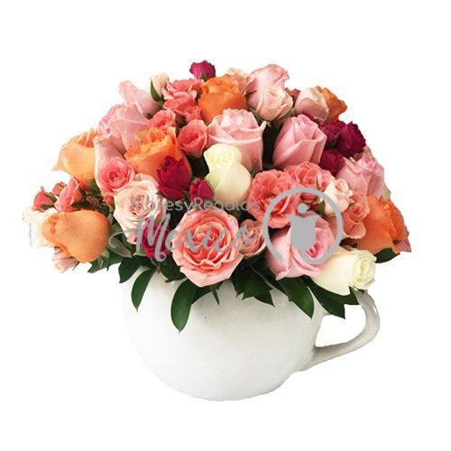 Rosas en taza